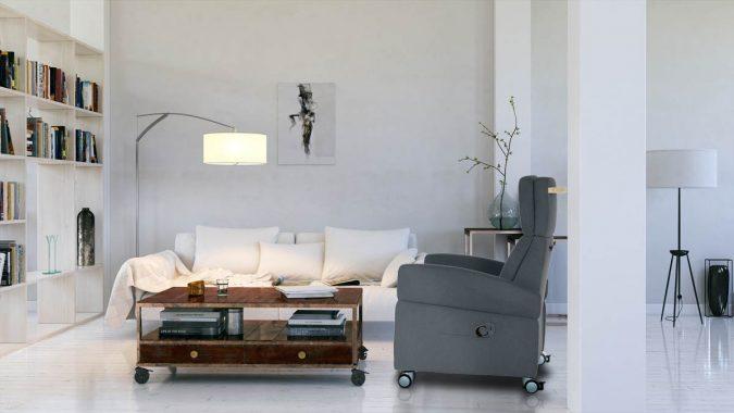 """Der moderne Pflegesessel sollte auch in einem modernen Wohnzimmer """"wohnlich"""" wirken. Hier ein Sessel der Marke VIANDO+ als Beispiel"""